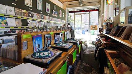 Halcyon se especializa en discos exclusivos y novedades en música electrónica (New York Magazine, Dave Ratzlow)