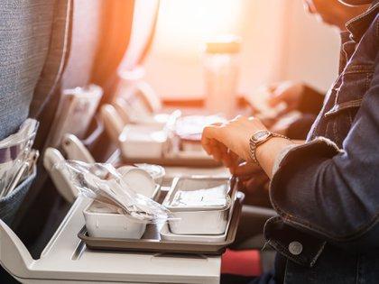 Algunas consideraciones finales como para tener en cuenta al momento de pensar en viajar en una aerolínea low cost (Shutterstock)