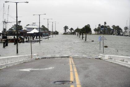Una calle inundad en Corpus Christi, Texas. (Annie Rice/Corpus Christi Caller-Times via AP)