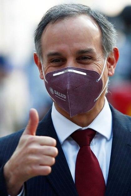 Imagen de archivo del subsecretario de Salud de México, Hugo López-Gatell, en el Hospital General, mientras continúa la propagación del coronavirus, en Ciudad de México. 24 de diciembre de 2020. Foto tomada, 24 de diciembre de 2020 REUTERS / Edgard Garrido