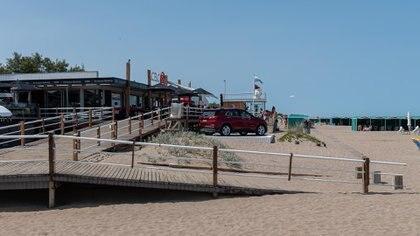 La playa de Cariló, uno de los destinos más elegidos por parejas y familias (Diego Medina)