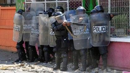 La Policía reprimió las protestas de la población civil (Reuters)