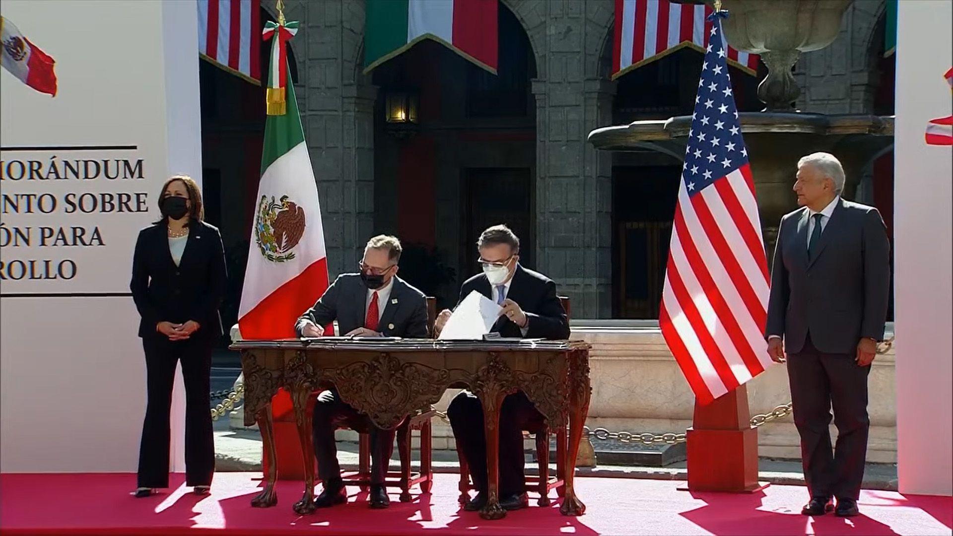 KAMALA HARRIS - MEXICO - AMLO - 082021 1 .jpg