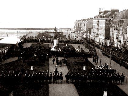 El monumento a San Martín fue instalado en la zona portuaria de Boulogne-sur-Mer