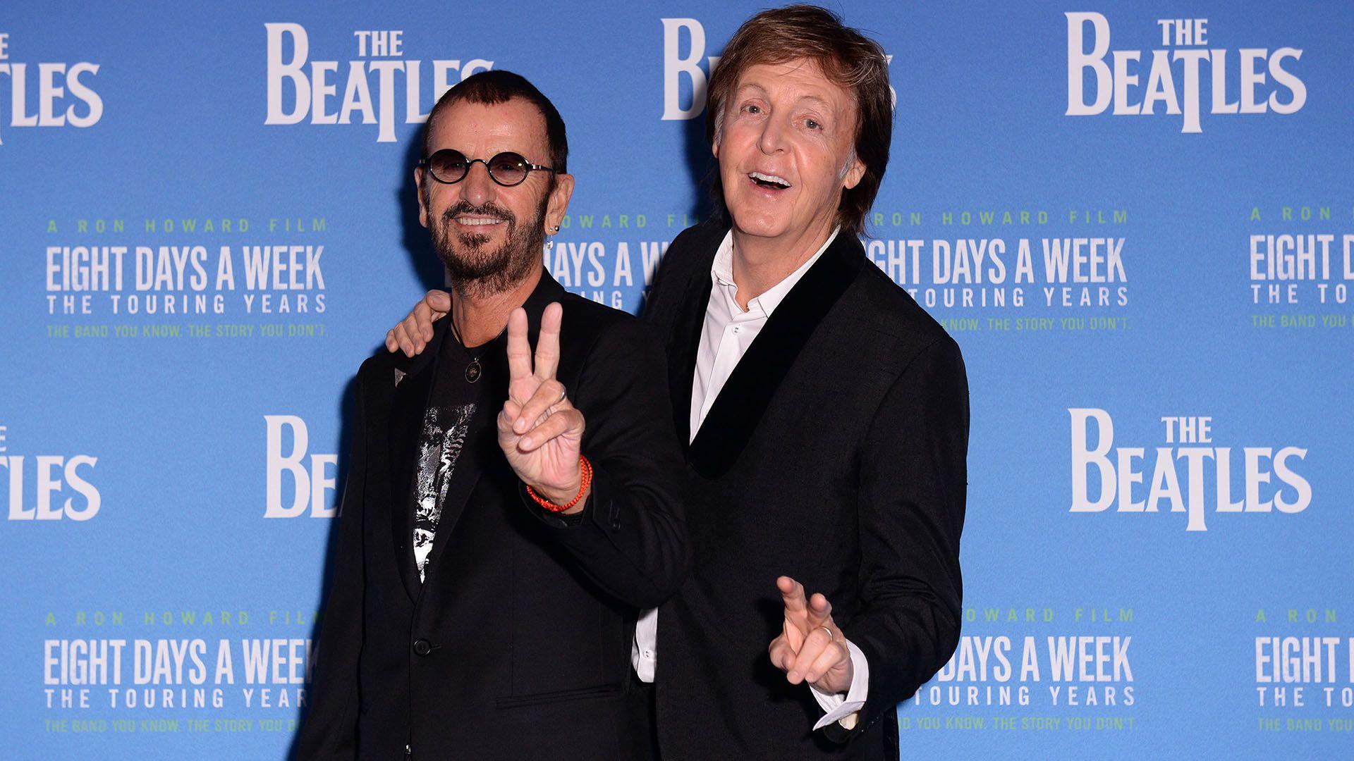 Ringo Starr junto a Paul McCartney (Foto: Joanne Davidson / Shutterstock)