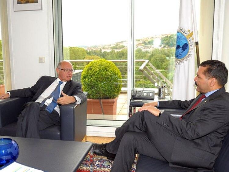 El entonces canciller Héctor Timerman y el titular de Interpol Ronald Noble