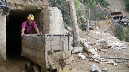 Mineros en Colombia denuncian abandono del Estado y se van a paro nacional el 13 de mayo