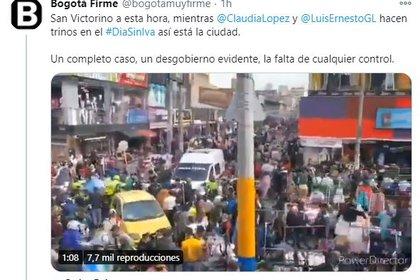 Foules dans le centre de Bogotá pendant la journée sans TVA.