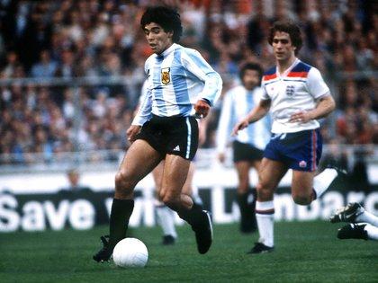 El Dia Que Wembley Aplaudio De Pie A Maradona A 40 Anos Del No Gol De Diego A Inglaterra Que Sirvio Como Ensayo De Su Obra Maestra En El Mundial 86 Infobae