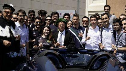 En 2018 la Universidad de Módena le entregó el título Honoris Causa en Ingeniería de Vehículos, título que solo había recibido Enzo Ferrari (Pagani Automobili)