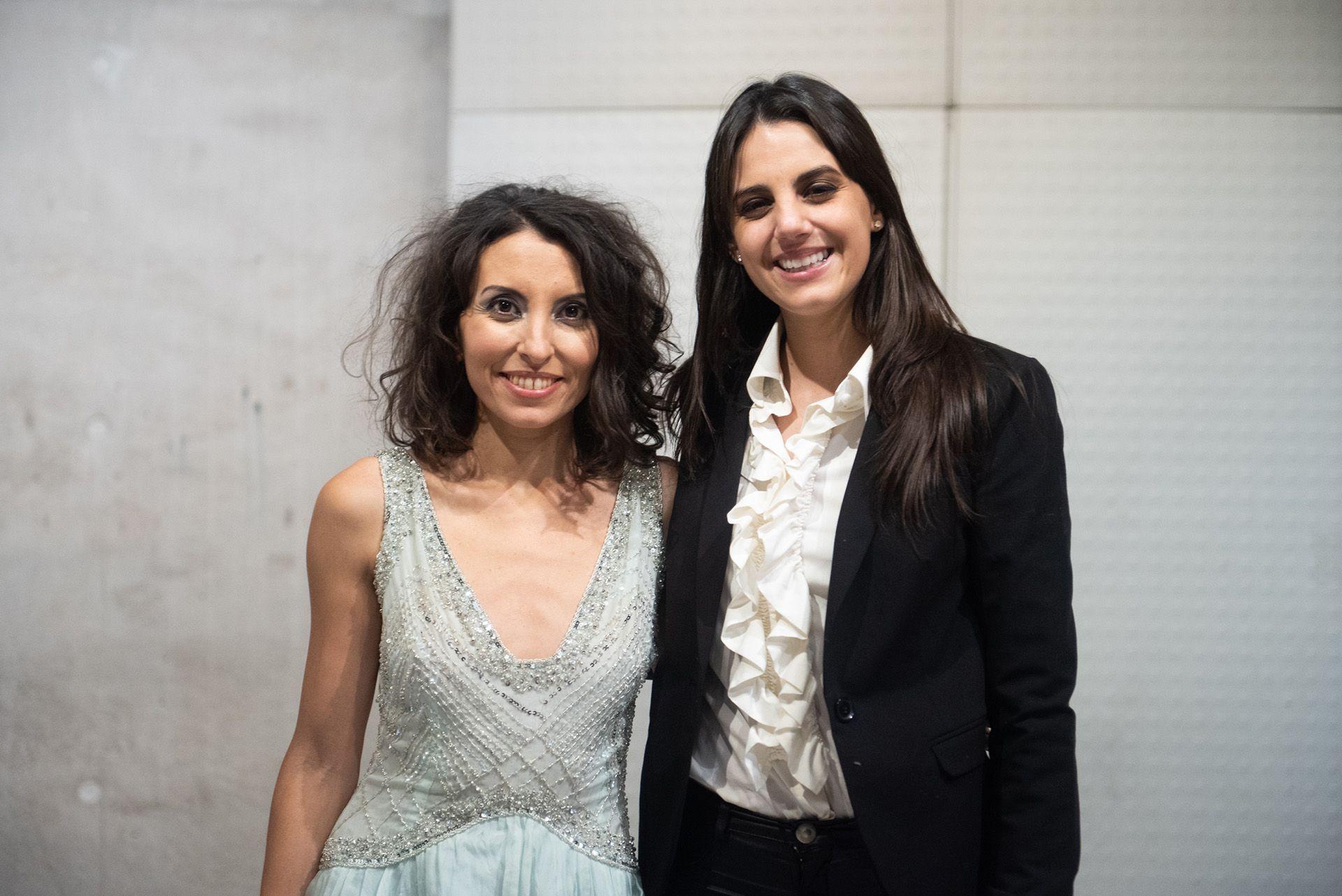 Sumaia con la periodista Amira Hidalgo