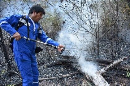"""""""Esto es una ofensa a los bolivianos, pagada con el dinero de los bolivianos,"""" reclamó el activista ambiental Federico Morón (Presidencia de Bolivia via REUTERS)"""