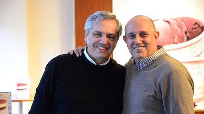 Alberto Fernández junto a Alexis Guerrera, flamante ministro de Transporte de la Nación