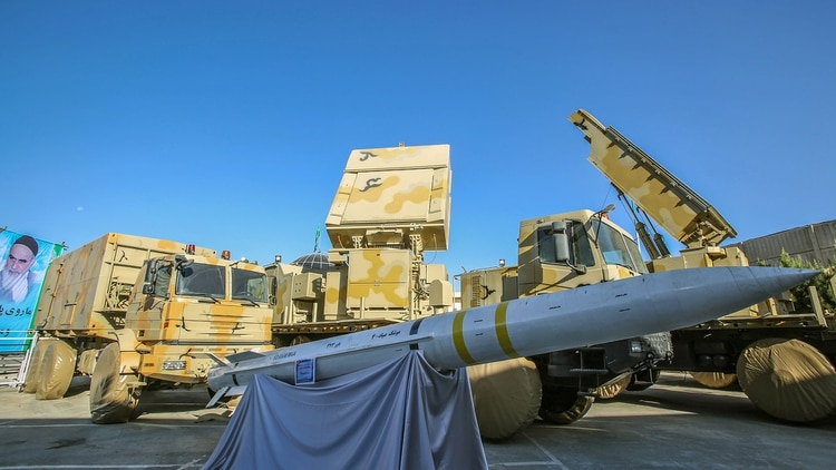 El misil fue desarrollado en 2010 en reemplazo de los S-300 rusos (AFP)
