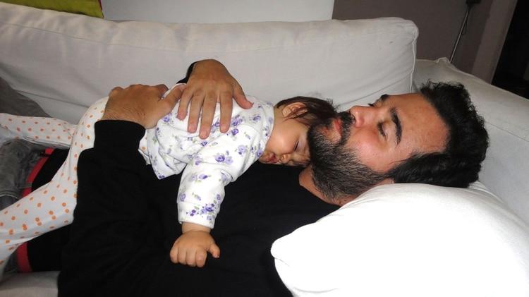 Esmeralda, su hija menor, tenía 4 meses cuando él entró en coma