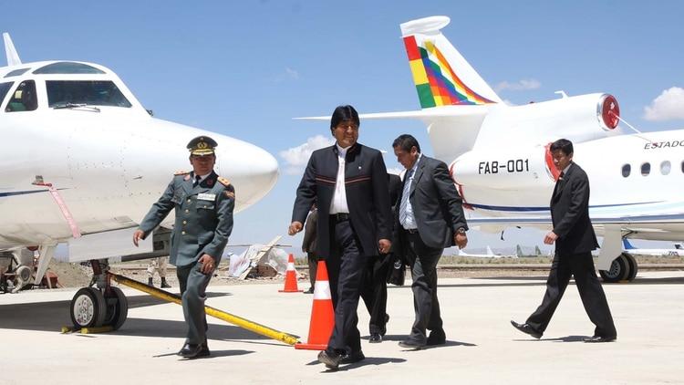 Evo Morales gastó USD 38 millones en el avión Falcon 900 EX EASY, fabricado originalmente para el plantel del Manchester United
