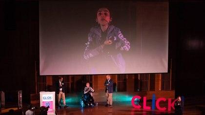 Con solo 16 años se plantó en el escenario mayor del Centro Cultural de la Ciencia y contó su historia