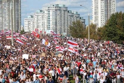 Imagen de la marcha contra el presidente bielorruso Alexander Lukashenko del pasado domingo en la capital, Minks. Foto: enTut.By via REUTERS