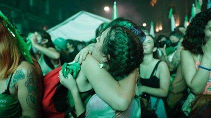 La alegría de las más jóvenes que vivieron como un triunfo de su presencia la aprobación de la Interrupción Voluntaria del Embarazo (Catalina Calvo)