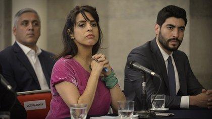 Victoria Donda y Facundo Moyano durante la conferencia de prensa