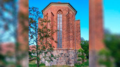 Archaeologists believe that there is a secret tunnel entrance under the chapel in Chwarszczany.