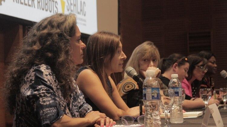 Vanina Martínez , investigadora en el Instituto UBA-CONICET de Ciencias de la Computación, durante la conferencia.