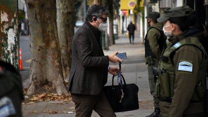El juez Federico Villena llega al tribunal de Lomas de Zamora (Foto: Nicolás Stulberg)