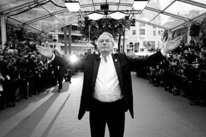 El actor francés fue visto en público en mayo de 2019, en un homenaje por su trayectoria (Foto: Instagram/ anouchkadelon)