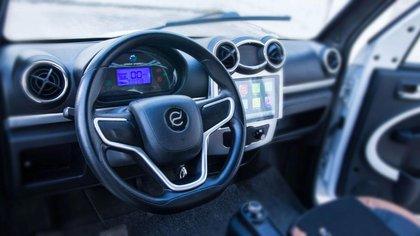 Podrán manejarse algunas funciones y revisar la posición del vehículo desde el celular.