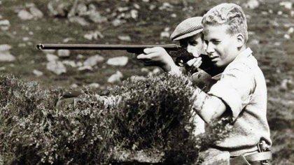 El rey Juan Carlos I de España en una jornada de cacería, una de las pasiones que lo acompañó durante toda su vida (Casa Real)