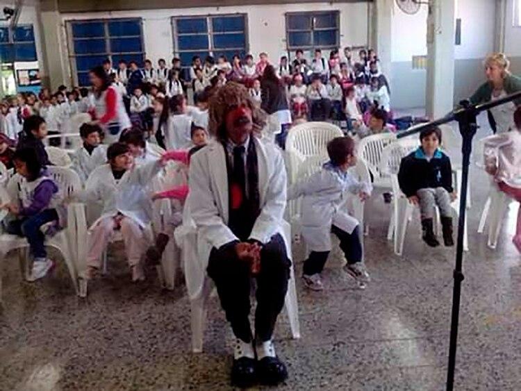 En una visita a una escuela