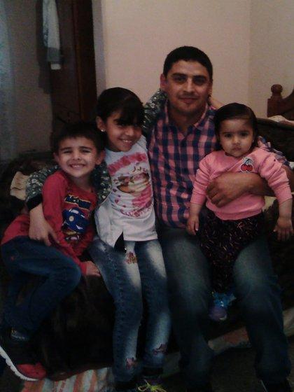 Yami, con sus hijos mas chicos.