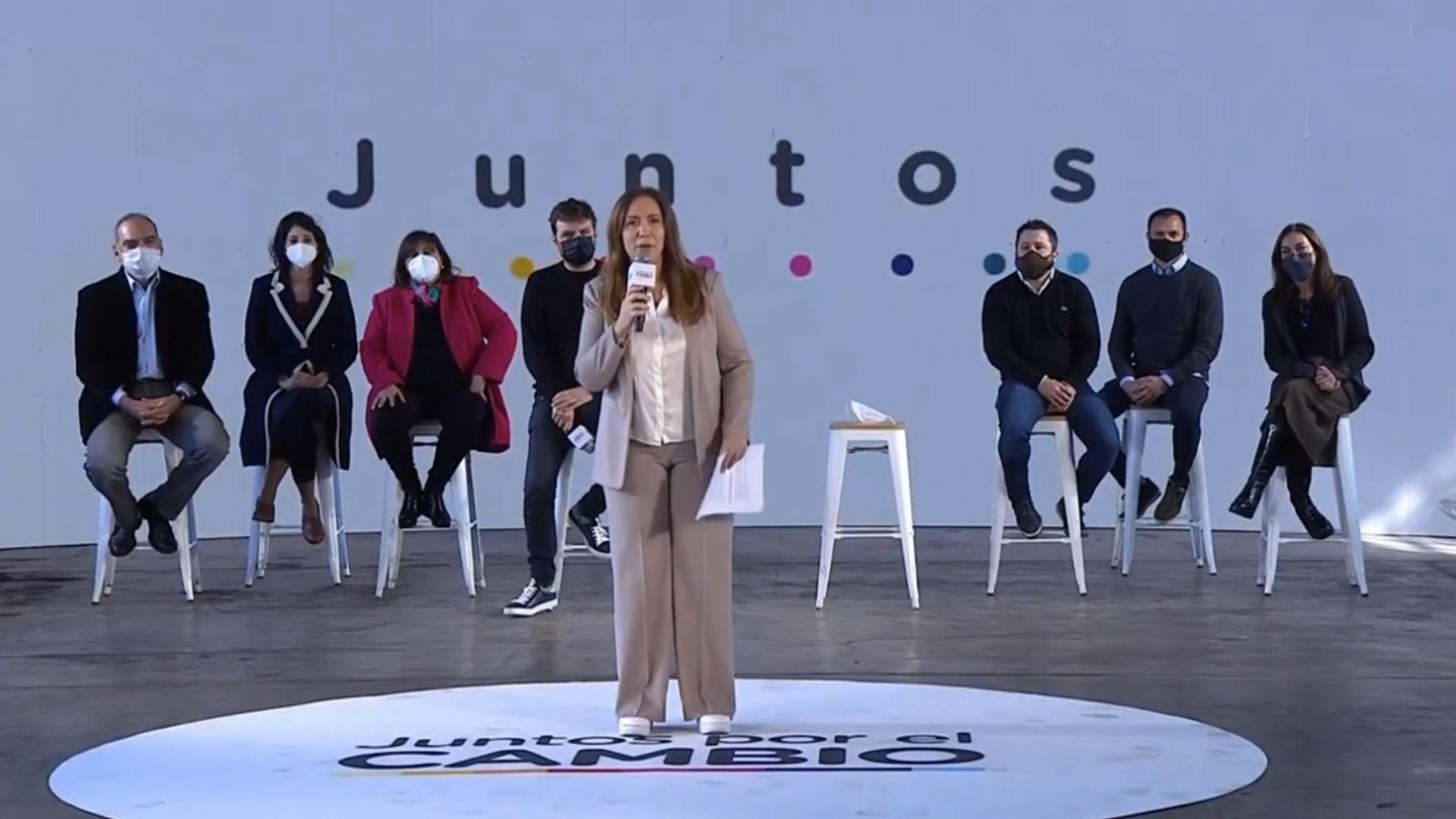 Maria Eugenia Vidal presenta propuestas en un acto de campaña