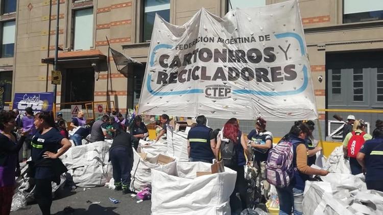 Protesta de la Federación Argentina de Cartoneros, Carreros y Recicladores en octubre de este año