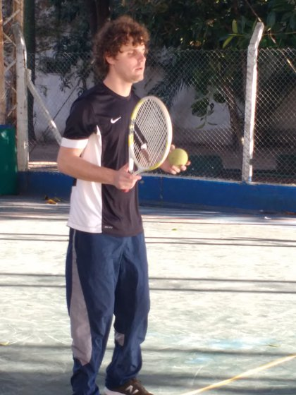 Andrés preparado para jugar