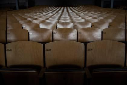 La sala de teatro vacía (Laetitia Vancon/NYT)
