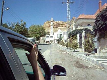 La autora describe con precisión cómo eran los días en algunas ciudades sirias a partir de un viaje que realiza en 2010