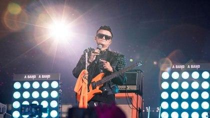 """Jack Ma en el escenario móvil donde se presentó la banda """"A Band"""""""
