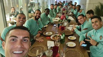 Cristiano Ronaldo comió junto al plantel