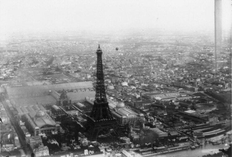 El Pabellón estuvo cerca de la Torre Eiffel