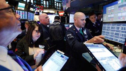 Los índices financieros asimilaron rápido la zozobra por la tensión geopolítica. (AP)