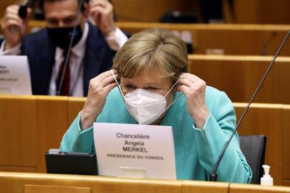 Merkel hizo hincapié en las medidas de distanciamiento y protección preventiva (Reuters)