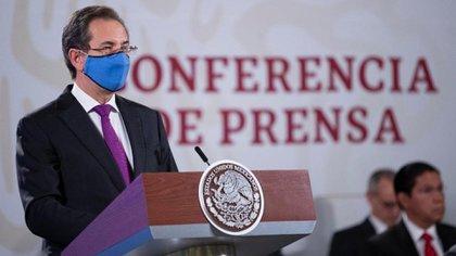 El Secretario de Educación Pública indicó que el hecho de que más de 40 millones de personas permanezcan en sus hogares, que forman parte del sector educativo, hace que la pandemia sea manejable en el hospital (Foto: Presidencia)