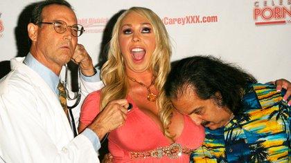 El actor porno Ron Jeremy fue detenido por violación y agresión sexual contra cuatro mujeres (Shutterstock)