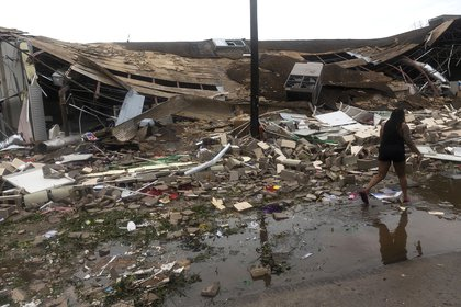 Destrozos en Lake Charles, Louisiana (AFP)