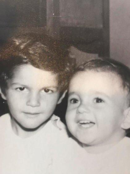 Ivo Cutzarida con uno de sus hermanos