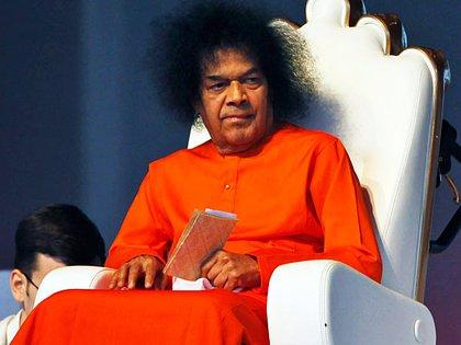 Sai Baba era un hombre rodeado de enigmas y la protección del establishment indio AP 162
