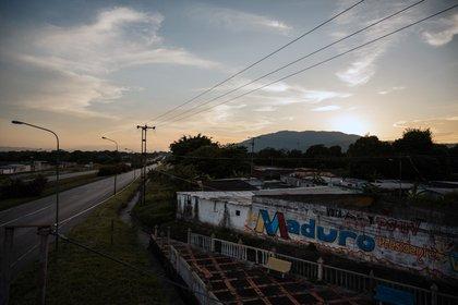 Grafitti de apoyo a Nicolás Maduro en Urachiche. (Adriana Loureiro Fernandez/The New York Times)