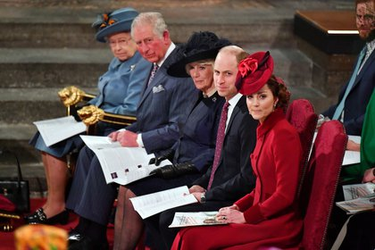 El príncipe Carlos se reunió con todos los miembros principales de la familia real y el primer ministro Boris Johnson en el Servicio Anual del Commonwealth en la Abadía de Westminster el 9 de marzo