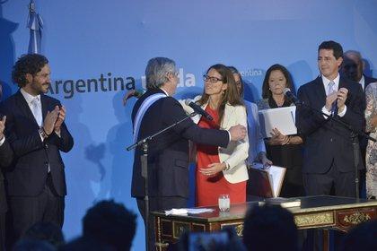 Alberto Fernández, con Elizabeth Gómez Alcorta, en el inicio de su gestión.